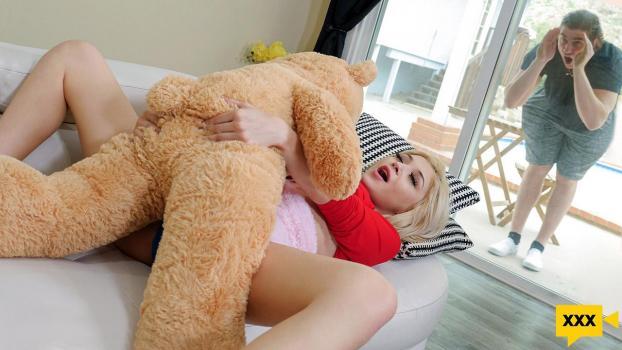 ExxxtraSmall 2021 02 18 Sia Lust Freaky With The Teddy
