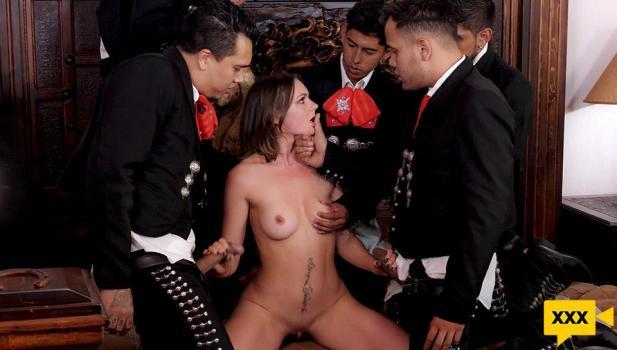 SexMex 2021 05 05 Emily Thorne – 5 De Mayo The Mariachis